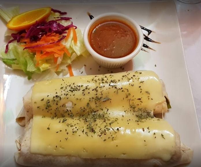 Tostadas: Carta de Azteca Restaurante Mexicano