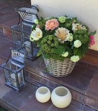 Cestón con flor variada
