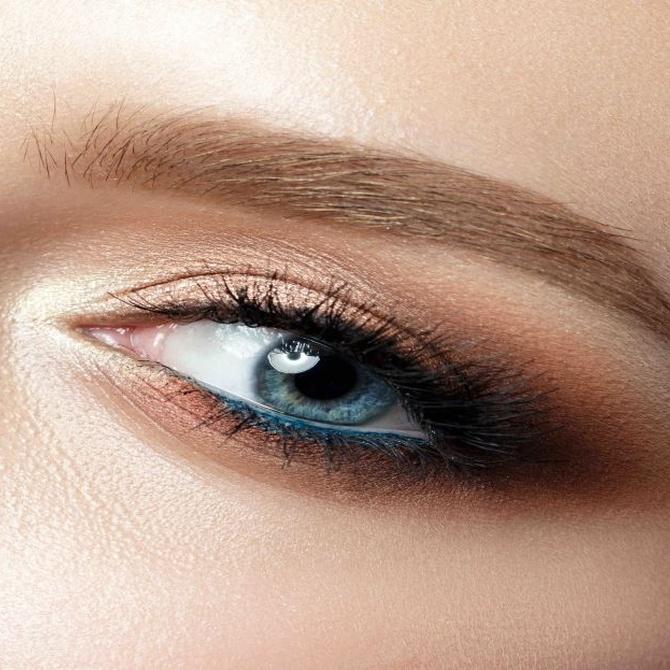 La depilación de cejas con hilo