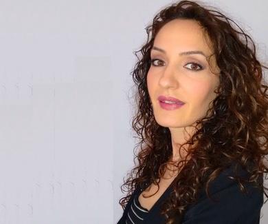 Dª Victoria Cuartero García: