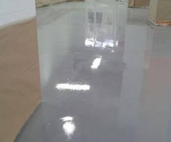 Aplicación de resina epoxi