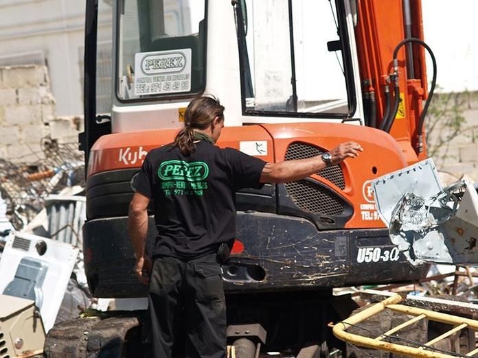 Desmontaje y recogida de maquinaria: Productos y servicios de Metales Pérez