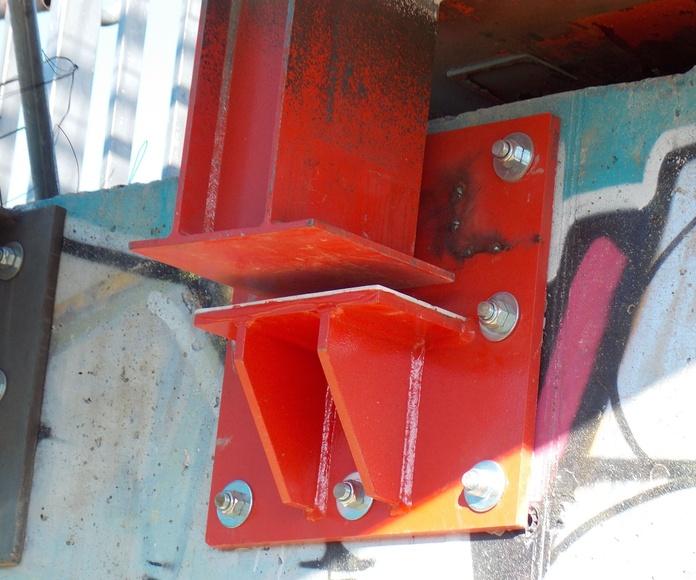Gateo y nuevo sistema de apoyo de pasarela atirantada. Pozuelo (Madrid)