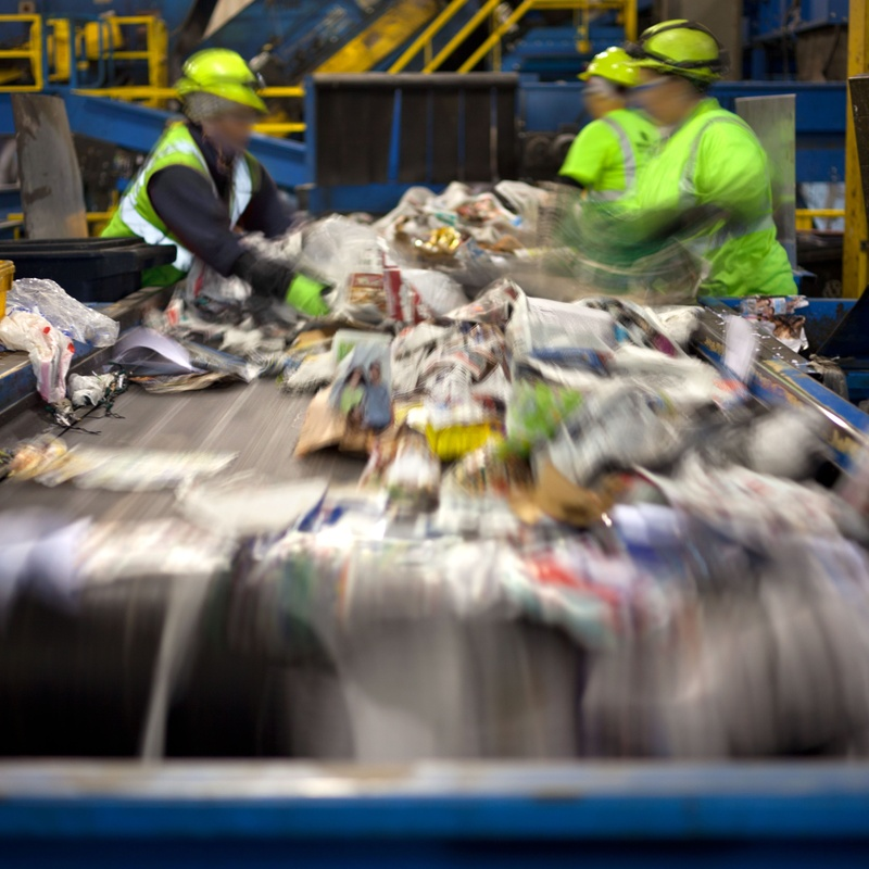 Reciclado de cartón y plástico: Servicios de Atención al cliente