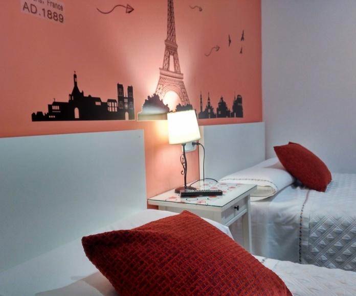 Habitación Doble: Habitaciones y Servicios de Hostal Bruña