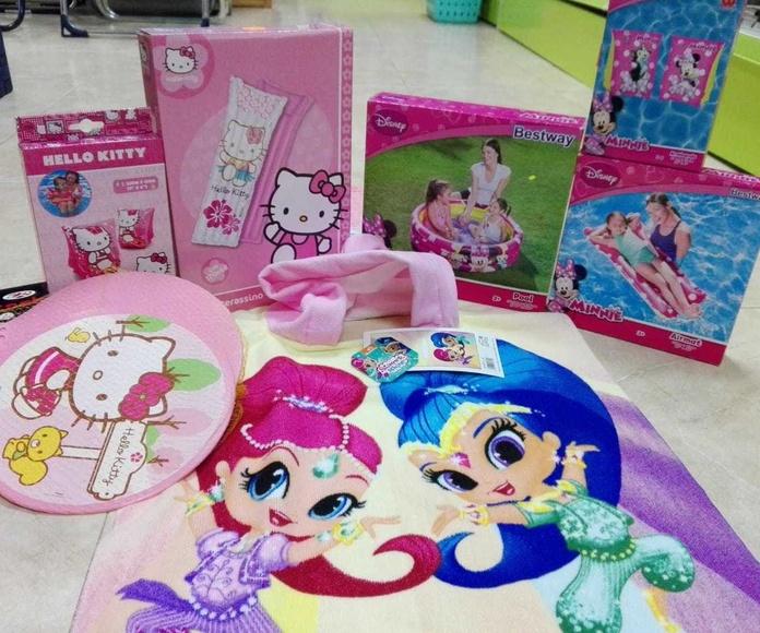 Toallas infantiles y artículos de Hello Kitty y Disney