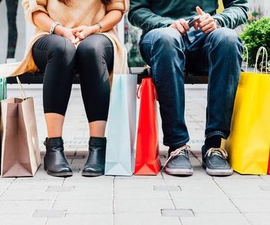 Cada vez los jóvenes son más adictos a las compras