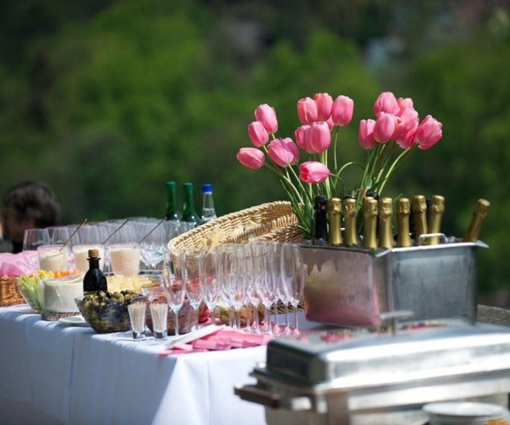 Un catering para una boda al aire libre