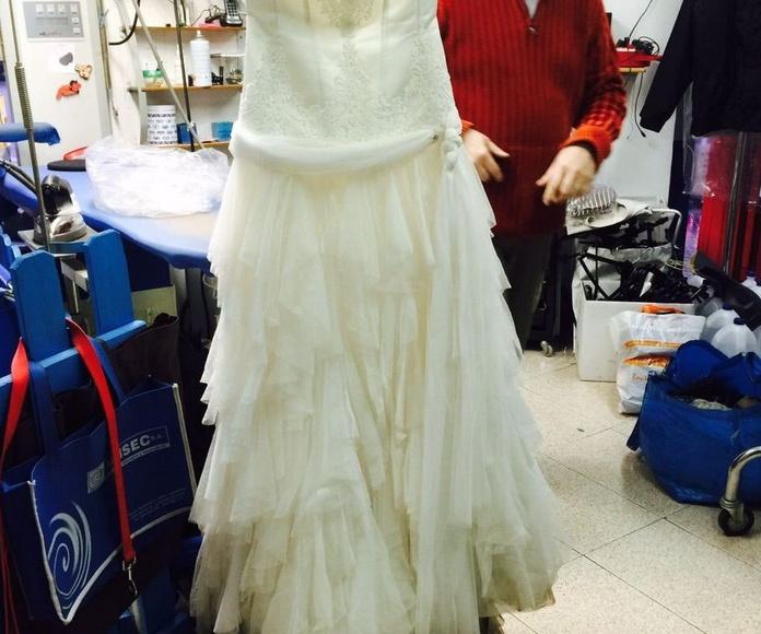 Transformación de vestido de novia en un vestido de fiesta