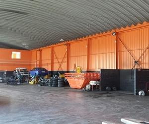 Interior de nuestro desguace de vehículos en Tineo, Asturias