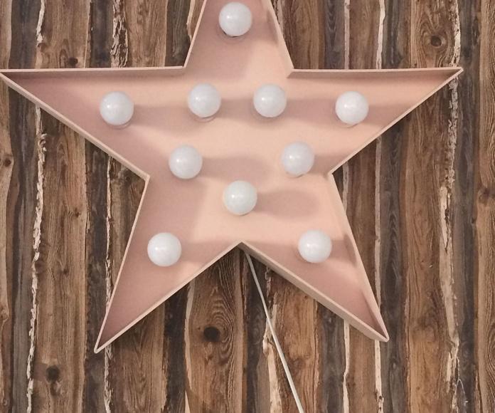 Estrella para decoración, patinada con 10 luces led.