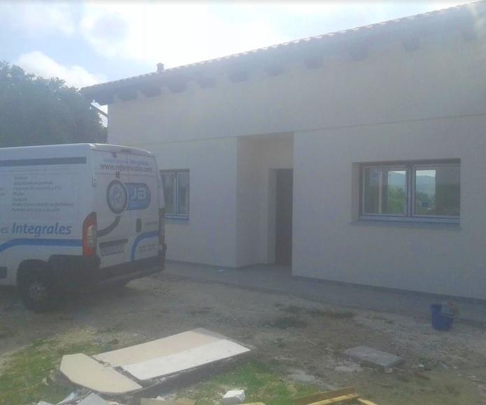Revestimiento de fachadas en monocapa y acrilico: Servicios de Rehabilitaciones Integrales JB