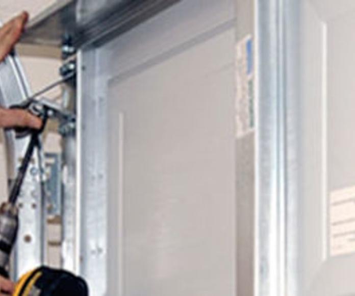 Reparación de puertas: Servicios de Manolo Cerrajero