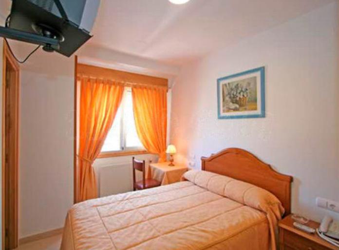 Habitaciones: Servicios de Hotel Restaurante Carballeira