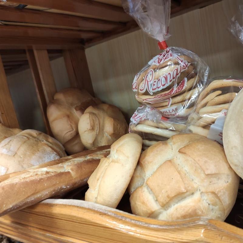 """Panadería: Productos de Panadería """"La Reconquista"""""""
