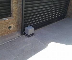 Automatismos para puertas metálicas en Tarragona