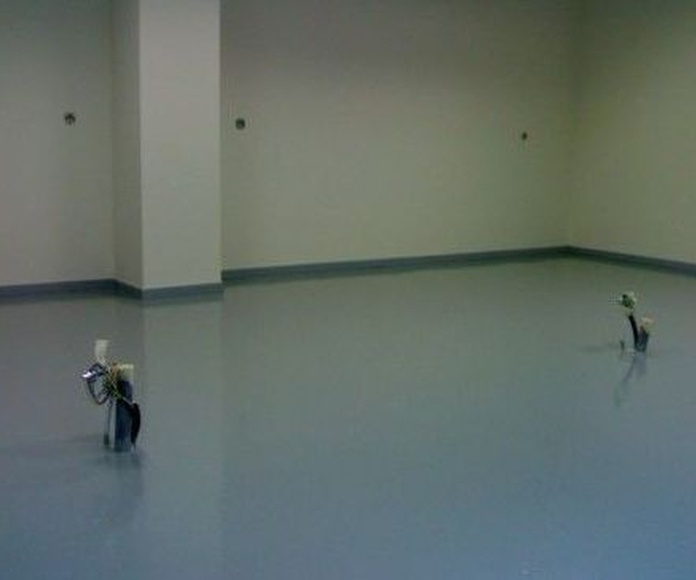 Pavimento en resina para aulas quimicas.