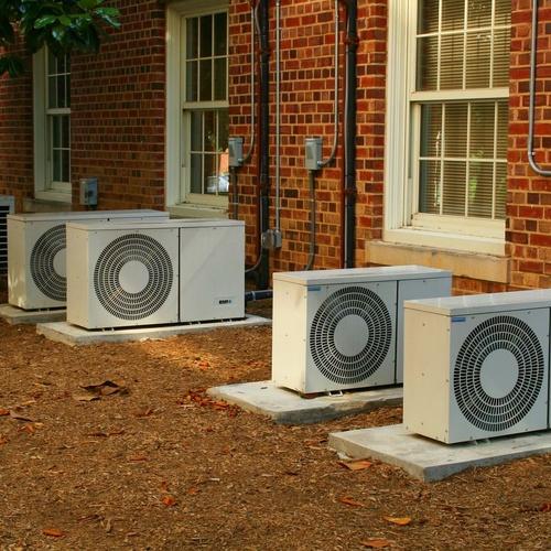 Instalación aire acondicionado suelo exterior