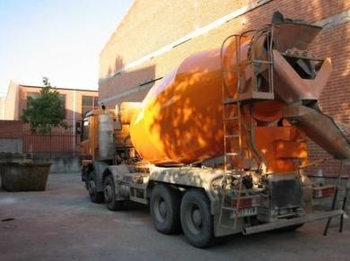 Fabricación y reparación de hormigonera sobre camión en Salamanca, Valladolid y Ávila