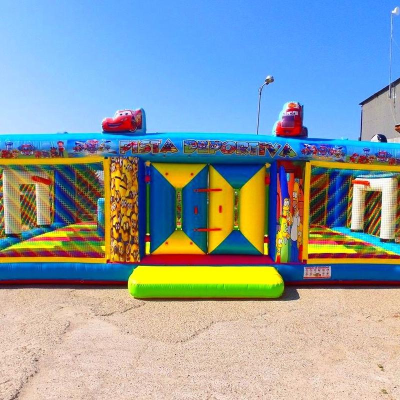Pista deportiva multiobtsculos: Catálogo de Hinchables Happy Jump