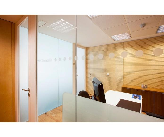Mamparas divisorias de oficina: Proyectos y Obras realizadas de MC Interiorismo Modular
