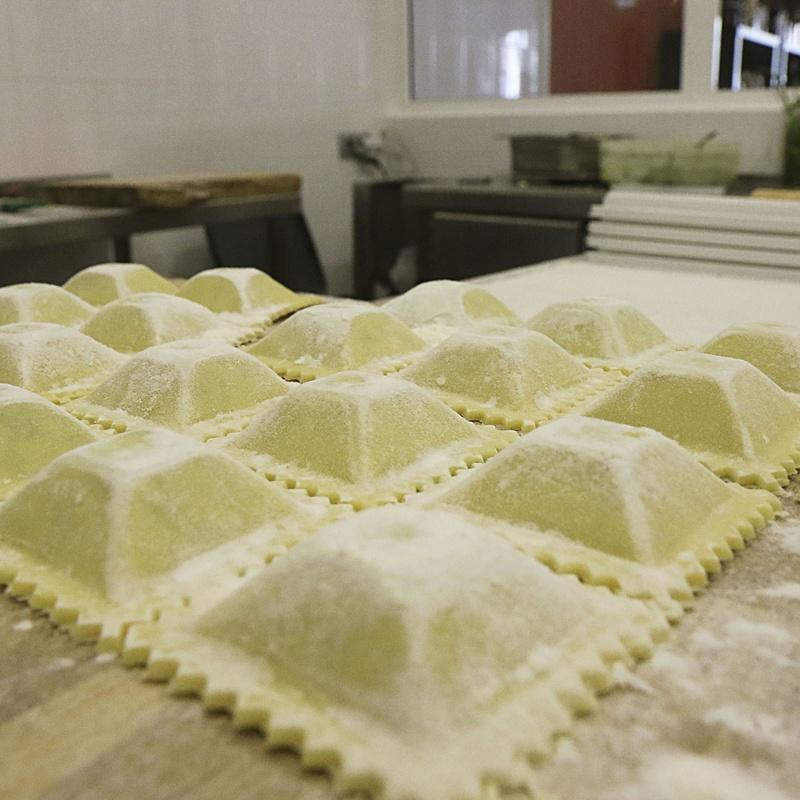 Agnolotti frescos de ricotta, parmigiano y nuez : Nuestros productos de La Pastaia