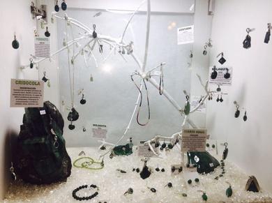 Esmeralda, crisocola, malaquita, jade, cuarzo verde, peridoto y moldavita