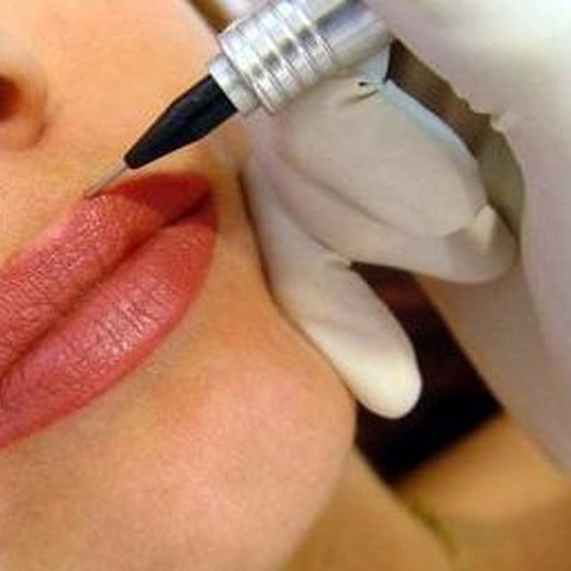 Micro Labios: Servicios de Divinity Body Nails