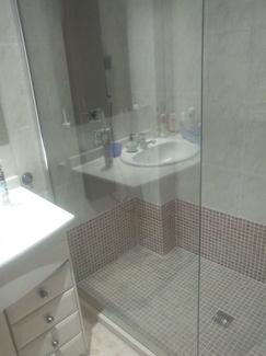 Retirada de bañera por plato de ducha  en pto de Alcudia ( Mallorca)