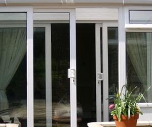 Fabricación y montaje de ventanas y balconeras de aluminio