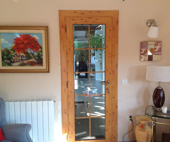 Puertas y ventanas practicables y oscilobatientes imitación madera: Productos de Aluminis Solé