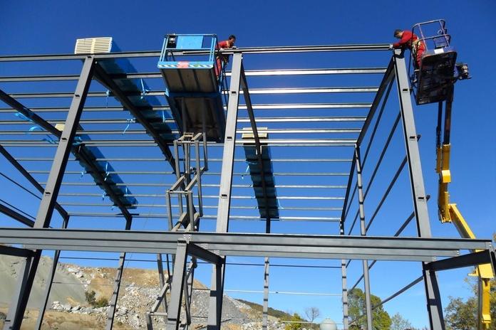 Aluminio y estructuras: Servicios de Montajes Elices