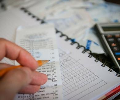 Facturación mensual a Empresas y Particulares