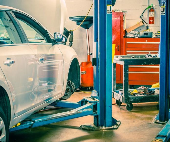 Revisiones y Pre ITV: Servicios de reparación  de Automóviles y Talleres Dorado