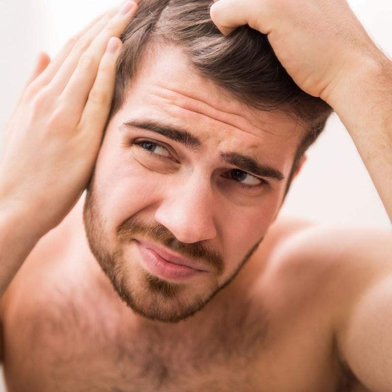 Male hydration treatment: Services de Macias Hair Studio Poblenou