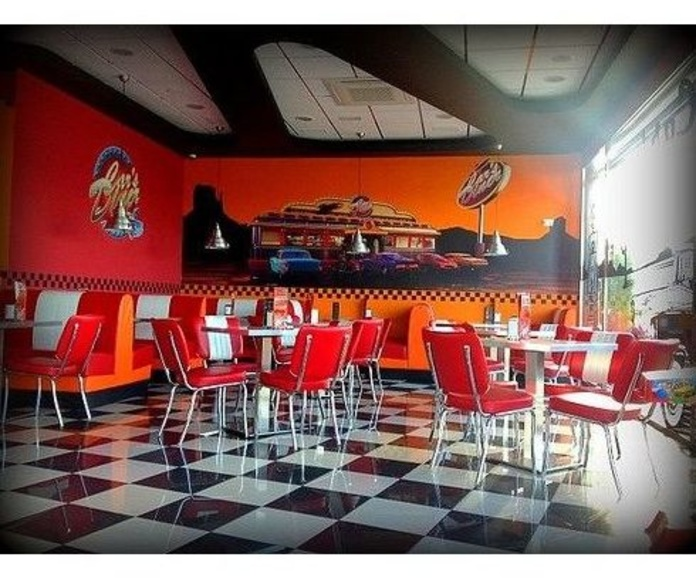 Club Burger: ¿Qué como? de Car's Diner Cafetería Americana