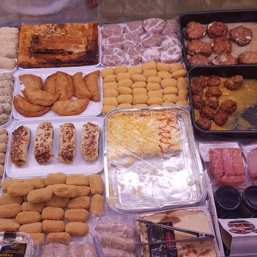 Carnicería con elaborados caseros