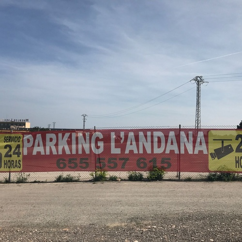 Parking logístico en Paterna