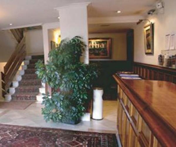 Hoteles, Restaurantes en Zarautz | Hotel Alameda**