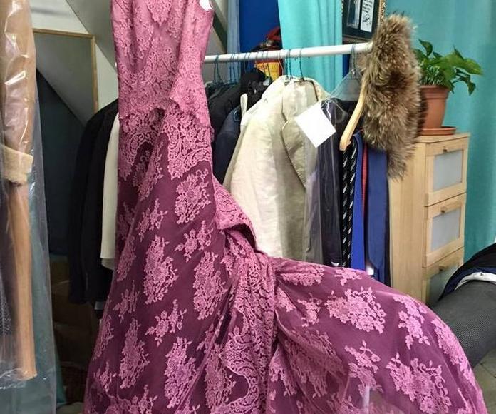 Tinte de un vestido de fiesta: Servicios  de Tintorería Anubis