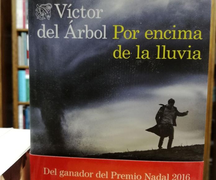 Por encima de la luvia: SECCIONES de Librería Nueva Plaza Universitaria