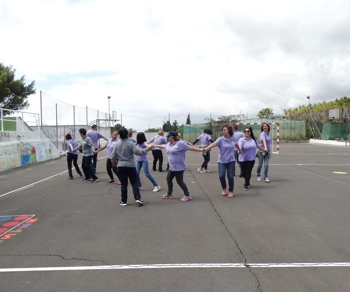 Taller de Bailes tradicionales.: Proyectos y Servicios de Asociación Domitila