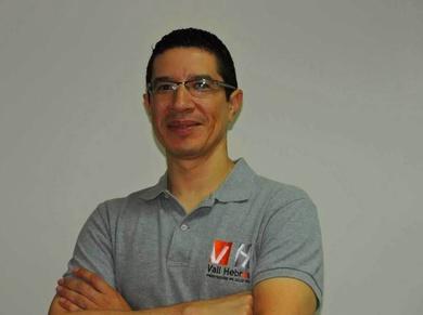 Dr. Carlos Raudales - Ortodoncista