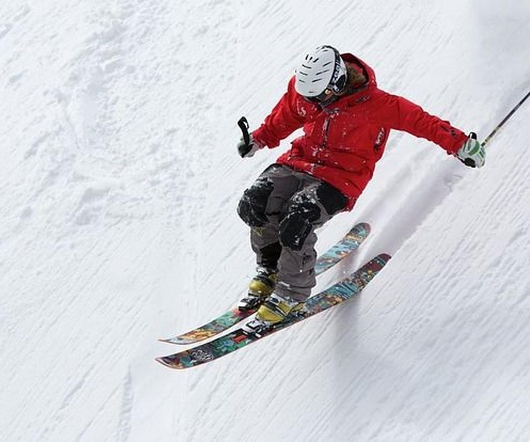 ¿Cómo debes vestirte para practicar deportes de nieve?