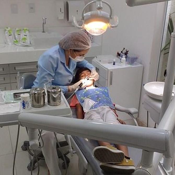 ¿En qué consiste la cirugía periodontal?