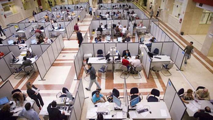 Funcionarios-puestos-trabajo.jpg