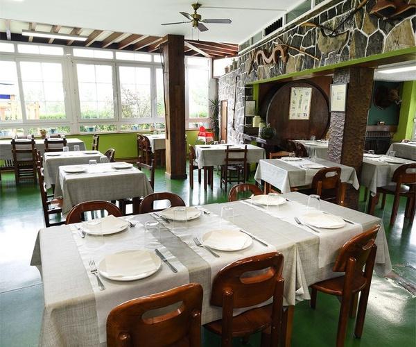 Amplios salones en nuestro restaurante El Titi