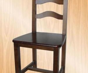 sillas en pino: Arsyma Alfaro