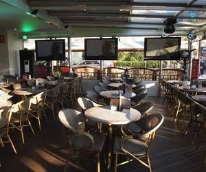 Terraza con pantallas gigantes en Salou