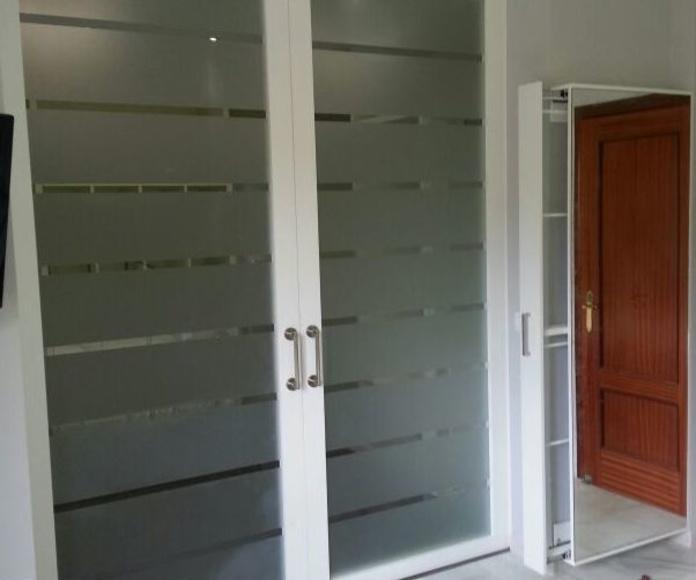 Puertas correderas: CATÁLOGO de CARPINTERÍA Y EBANISTERÍA ARCAMADE